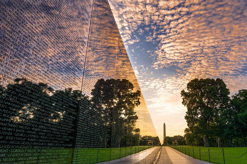 506thcurrahee-summer-sunrise-at-the-vietnam-veterans-memorial-clear-reflection_mydccool-homepage-08.02_1